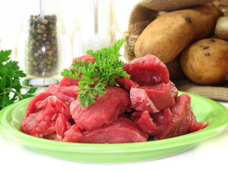 Carne gobernada (tocanita de vita cu cartofi)