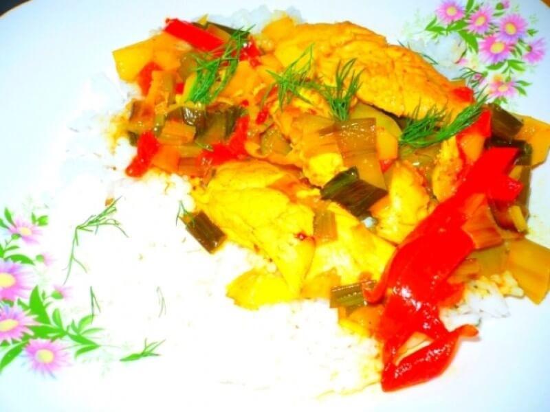 Piept de pui cu orez si curry