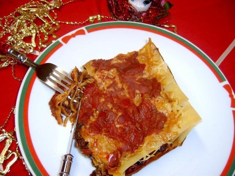 Lasagna cu carne si sos de rosii